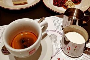 На Петроградской открылось кафе Gusto Giusto от создателей Bolshoybar
