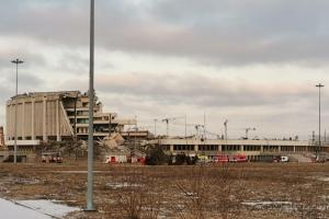 Жители Московского района пожаловались на шум по ночам у СКК. Там разбирают завалы после обрушения