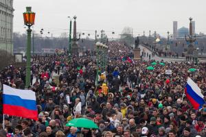 В Петербурге живет на треть больше людей, чем показывают официальные данные. Это приводит к транспортным и социальным проблемам