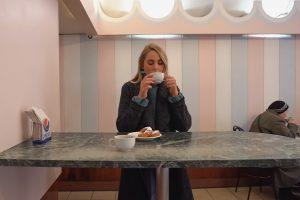 Что британские, австралийские и американские блогеры рассказывают про петербургские пышки, аниматоров на Невском и глубокое метро. Семь влогов