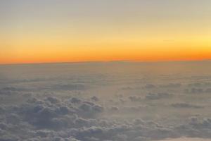 В России три самолета совершили экстренную посадку после анонимных сообщений о минировании