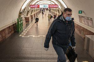 Как работает режим самоизоляции в Петербурге и Ленобласти? Если выйду на улицу, меня не накажут?