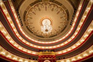В Петербурге из-за коронавируса отменяют концерты и спектакли. Как вернуть деньги за билеты?