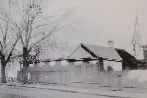 Изба в Коломне, деревянный терем у «Лесной» и дом с майоликой на площади Труда. Пять утраченных зданий Петербурга — и что на их месте сейчас