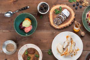 Что петербургские рестораны предлагают на время карантина: домашний ужин от шефа, доставка продуктов и сертификаты