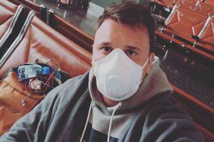 Как петербуржец уже неделю живет в аэропорту в Катаре. У него гражданство Таджикистана, а Россия закрыла границы для иностранцев