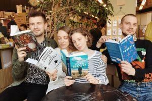 Семь затягивающих и жизнеутверждающих книг — рекомендуют «Подписные издания»