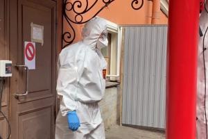В Петербурге увеличили выплаты врачам, помогающим зараженным коронавирусом, до 80 тысяч рублей. Работники скорой помощи тоже получат доплаты