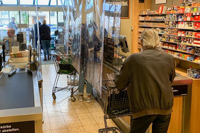 «Первые дни самоизоляции выглядели апокалиптично». Живущие в Германии петербуржцы — об отношении немцев к карантину, государственных выплатах и соседской взаимопомощи