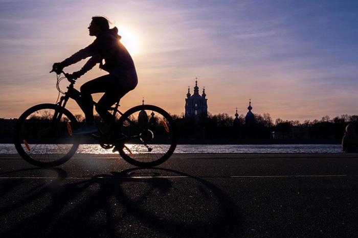 В Петербурге действуют сразу четыре «антикоронавирусные» статьи. Кого и как по ним штрафуют — отвечает юрист «Агоры»