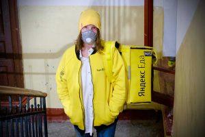 Петербурженка потеряла работу в SMM во время пандемии и стала курьером. Она рассказывает о своем опыте