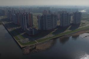 На юго-западе Петербурга обустроят общественное пространство с деревьями и скейт-парком