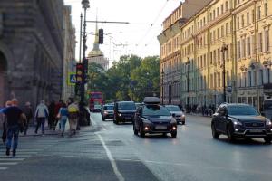 В День Победы две станции петербургского метро сократят время работы на час. Наземный транспорт перестанет ходить в 23:00
