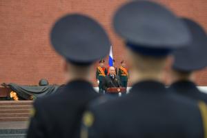 Владимир Путин поручил провести Парад Победы 24 июня