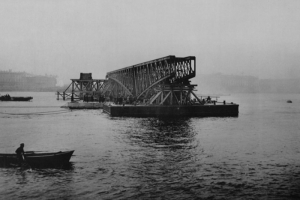 Как в Петербурге строили Троицкий мост? Библиотека Маяковского опубликовала альбом с редкими фотографиями