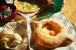 Суши от Duo, десерты без сахара и набор для шаббата: еще 25 доставок из петербургских ресторанов