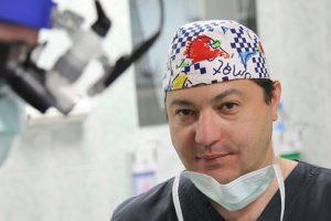 Из детской больницы № 1 хотят уволить кардиохирурга Рубена Мовсесяна, жалуются родители. Петиция в защиту врача собрала тысячи подписей