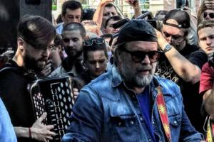 Борис Гребенщиков выпустил альбом «Знак огня». Это завершение трилогии, начатой в 2014 году