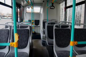 В дни православных праздников в Петербурге запустят дополнительные автобусы до кладбищ