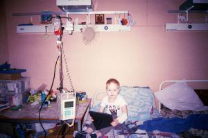 В Петербурге онкобольным детям из закрытых диспансеров передали фотоаппараты — вот что они сфотографировали