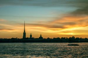 Фрагмент экскурсии по Петербургу и крики чаек во Владивостоке: послушайте треки со звуками российских городов