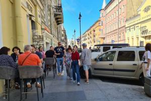 Жители Рубинштейна попросили ужесточить правила работы летних кафе во время пандемии