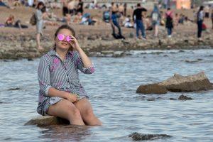 В Петербурге открываются летние кафе, парки и детские площадки. Что известно о смягчении ограничений