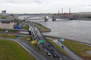 Концепцию застройки Охтинского мыса представили еще в марте, но работы не начались. Что известно о будущем территории и спорах «Газпром нефти» с градозащитниками
