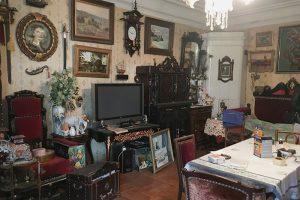 «В каждую квартиру прихожу как на экскурсию». Петербурженка рассказывает, как ищет на Васильевском острове коммуналку под расселение