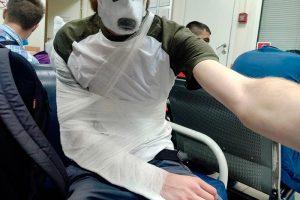 Журналиста Давида Френкеля, которому сотрудник МВД сломал руку, вызвали в полицию. На него хотят составить протокол о неповиновении, пишет «Медиазона»