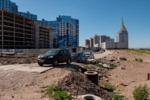 «Мусор не убирают, всё развалено»: Варламов раскритиковал три общественных пространства Петербурга