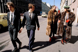 Модели в шубах на фоне советской повседневности — как итальянец Фердинандо Шанна провел фешен-съемку в Ленинграде конца 80-х