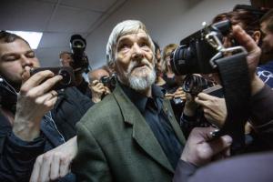 «Режим пытается вывалять в грязи тех, кто ему не нравится». Что о приговоре Юрию Дмитриеву пишут журналисты, политики и правозащитники