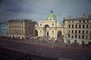Петербуржцы снова жалуются на назойливых промоутеров чайного магазина на Невском проспекте. Год назад Hangetsu Tea закрыли после драки