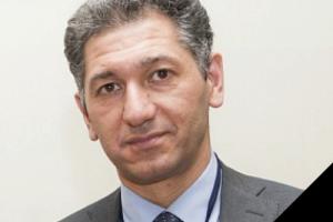 В Петербурге умер известный анестезиолог городского онкодиспансера Азам Халиков. Во время пандемии он работал в Боткинской больнице