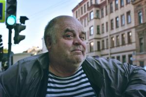 Петербурженка создала фотопроект в духе Humans of New York. Это портреты случайных прохожих и диалоги с ними