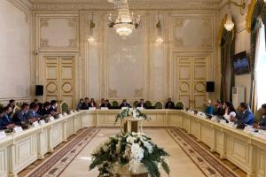 В Петербурге прошло первое заседание рабочей группы по закону о «наливайках». На нем предложили создать особые правила для баров в исторических домах