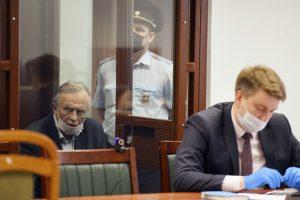 Больше месяца в Петербурге идет суд над Олегом Соколовым, признавшимся в убийстве аспирантки СПбГУ. Что стало известно о деле и какие версии выдвигают обвинение и защита