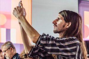 Петербургского ЛГБТ-активиста и антифашиста арестовали по делу об оправдании взрыва в здании ФСБ. Ему грозит до семи лет колонии за посты в паблике с 10 подписчиками