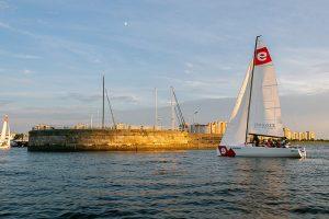 Яхт-клуб на Петровской косе — последнее место в Петербурге для бюджетного яхтинга. Что известно о будущем территории, за которую борются застройщики, профсоюзы, спортсмены и город