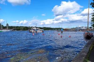 Глава Ленинградской федерации профсоюзов подтвердил выселение речного яхт-клуба с Петровской косы. Там срезают понтоны, суда вынесут на сушу