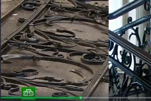 На Петроградской стороне заметили людей, уносящих ажурную кованую решетку. Петербуржцы спасли ограду — она похожа на элемент особняка Игеля