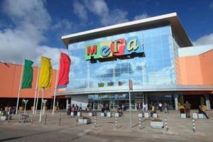 В комплексах «МЕГА» и большинстве торговых центров Ленобласти разрешили открыть фудкорты