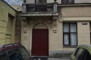 Жители дома Полежаева добились открытия парадной — она была недоступна несколько десятилетий