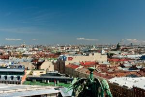 В Петербурге в июле зарегистрировали 5827 смертей. Месячный показатель стал рекордным