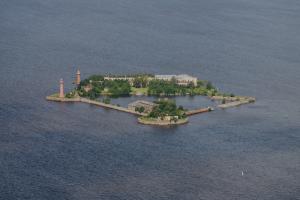 Форты «Кроншлот», «Петр I» и «Император Александр I» станут тематическими музеями. Один из них соединят с Кронштадтом канатной дорогой