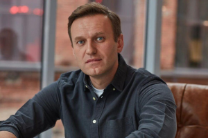 В ФБК заявили, что полиция нашла вещество, которым отравили Навального. Врачи отказали в транспортировке политика в Германию
