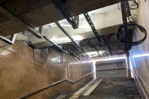 Вестибюль станции «Дунайская» закроют до 15 сентября. Там обещают устранить протечки