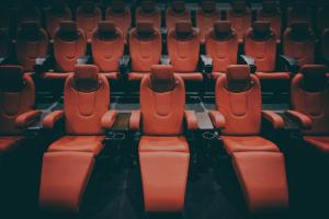 Владельцы петербургских кинотеатров потребовали от Беглова разрешить им возобновить работу с 1 сентября
