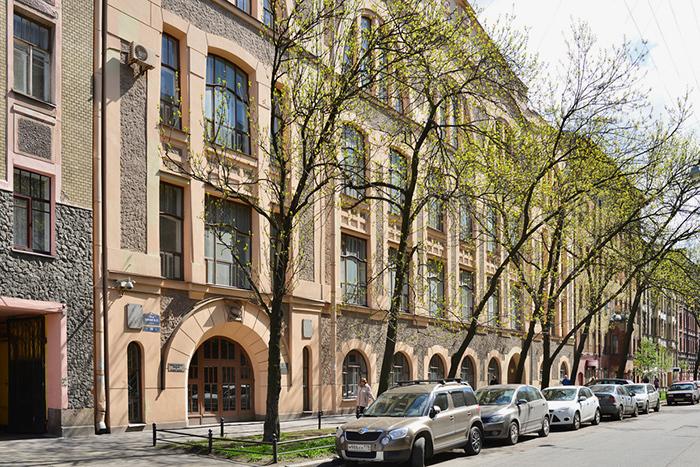 Маршрут по немецкому Петербургу — от лютеранской кирхи с катакомбами до первой школы в городе